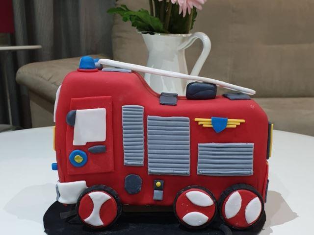 كيكة سيارة الاطفاء