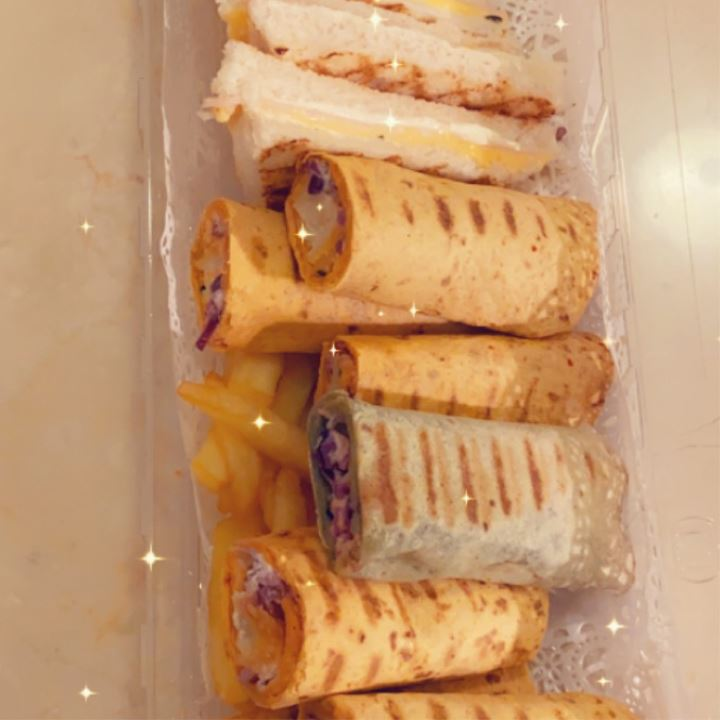 ساندويشات تورتيلا شاورما دجاج / لحم / ربيان