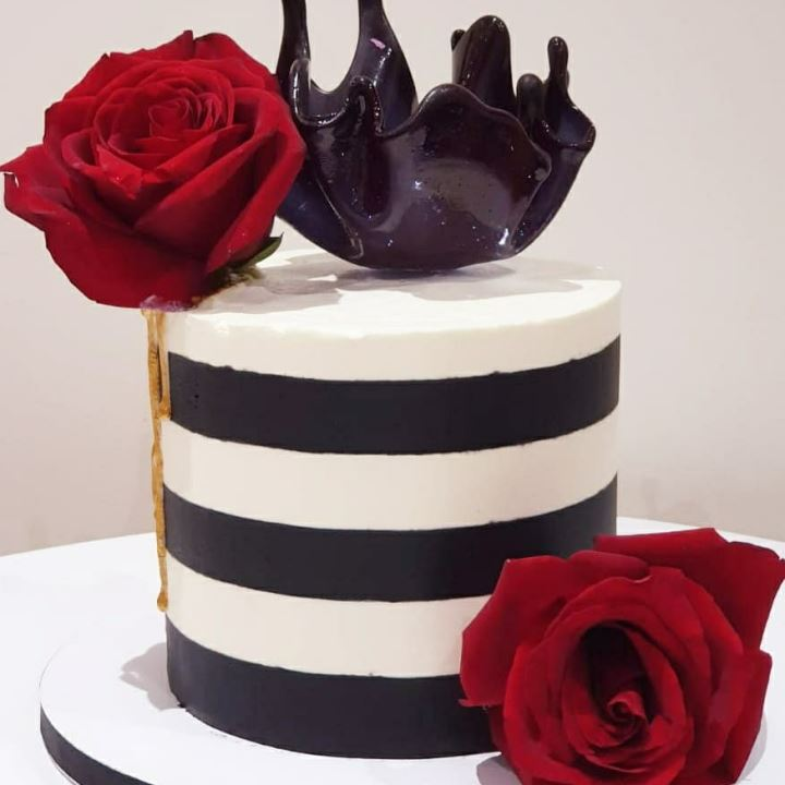 elegant stripes cake