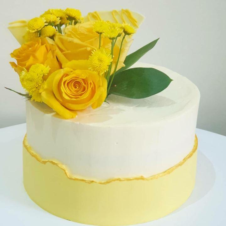 yellow fault line cake